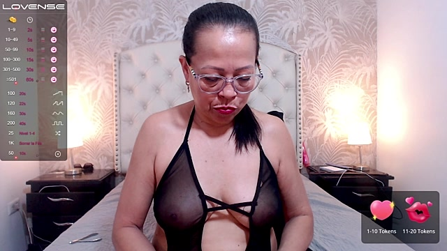 Hot Mommy  Live